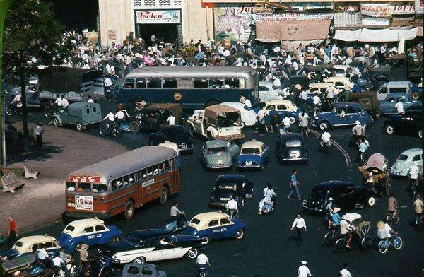 Có một Sài Gòn từng thanh lịch, duyên dáng và sành điệu như thế này ở những năm 60! - Ảnh 1.