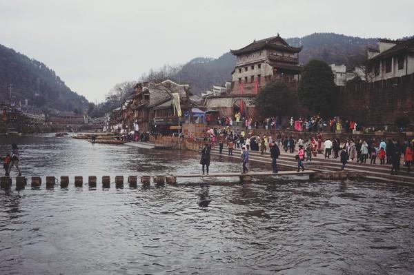Cảnh đẹp mê mẩn của Phượng Hoàng cổ trấn sẽ khiến bạn ước ao một lần được đến - Ảnh 20.