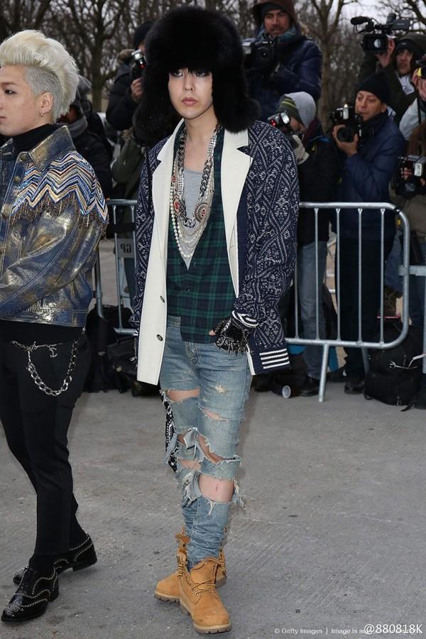 """7 lần G-Dragon """"chặt chém"""" toàn bộ khách mời nam tại Chanel  7 lần G-Drago..."""