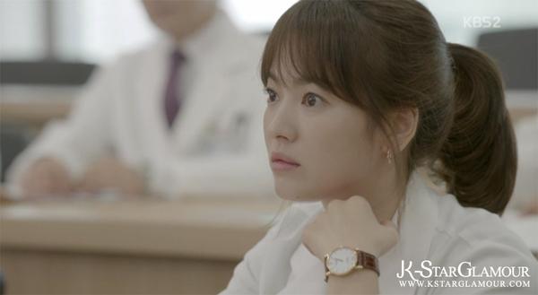 Kang Mo Yeon: Cô bác sĩ có BST khuyên tai đẹp nhất Đại Hàn Dân Quốc - Ảnh 12.