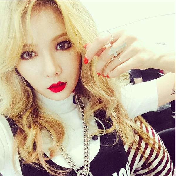 Netizen ngỡ ngàng khi biết Hyuna trang điểm càng nhẹ càng xinh