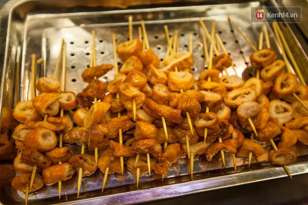 Chết ngất với hàng đậu hủ thúi siêu đắt khách tại Sài Gòn - Ảnh 12.