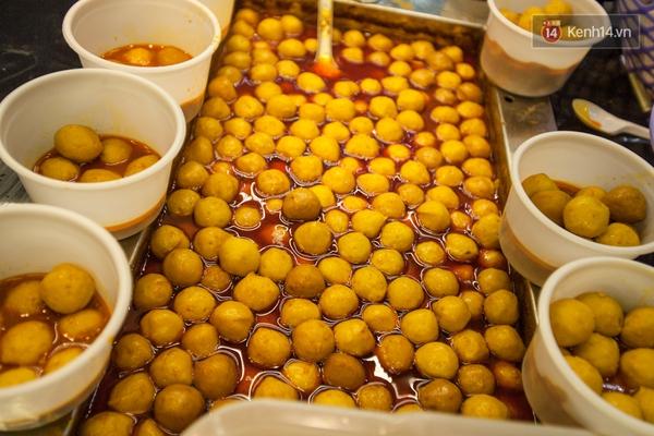 Chết ngất với hàng đậu hủ thúi siêu đắt khách tại Sài Gòn - Ảnh 13.