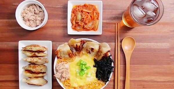 """Ăn tối kiểu """"con nhà nghèo"""" phong cách Hàn Quốc"""