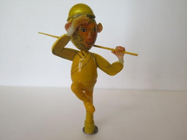 Nghệ nhân làm gần 40 chú khỉ bằng vỏ trứng để chúc Tết - Ảnh 12.
