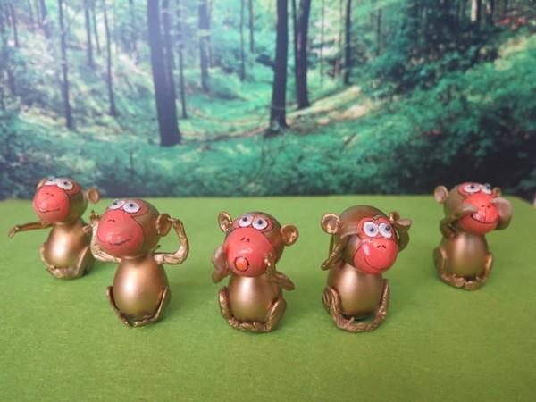 Nghệ nhân làm gần 40 chú khỉ bằng vỏ trứng để chúc Tết - Ảnh 3.