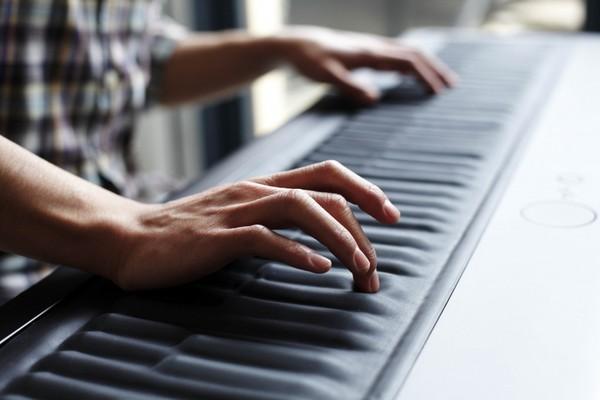 Chiếc Piano tất cả trong một có thể thay thế vô số loại nhạc cụ khác - Ảnh 1.