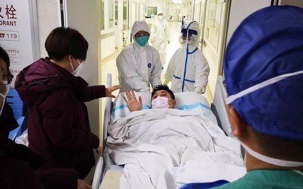 Đến Vũ Hán chăm sóc bạn gái bị ốm, chàng trai nhiễm virus corona nhưng lại nhận ra được điều ý nghĩa trong thời gian ở bệnh viện dã chiến - xs thứ bảy