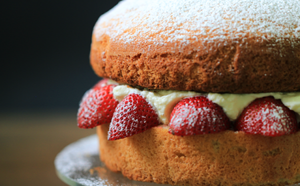 victoria sponge cake, SPONGE CAKE, lam banh, LAM BANH, làm bánh