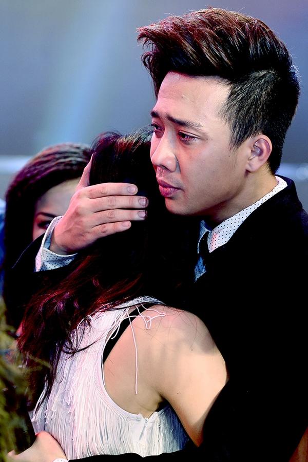 """Trấn Thành khóc khi chia tay thí sinh """"Bước nhảy"""" 4"""