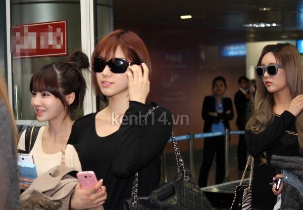 T-Ara rạng rỡ xuất hiện tại Hà Nội giữa vòng vây của fan 3