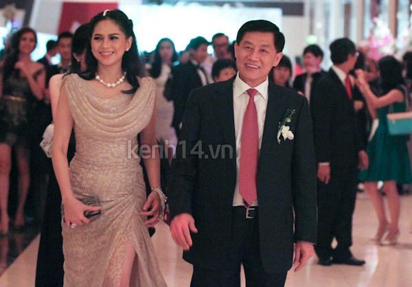Những hình ảnh hiếm hoi trong tiệc cưới Hà Tăng 14
