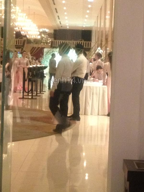 Những hình ảnh hiếm hoi trong tiệc cưới Hà Tăng 28