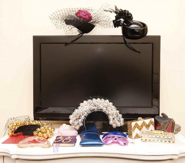 Ngó nghiêng tủ đồ của các fashionista thế giới 14