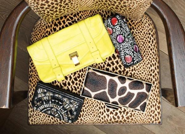 Ngó nghiêng tủ đồ của các fashionista thế giới 20