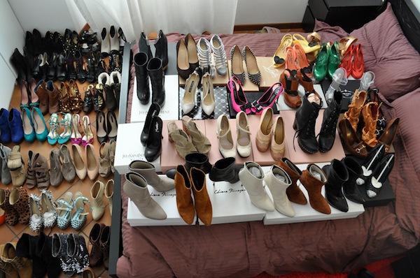 Ngó nghiêng tủ đồ của các fashionista thế giới 4