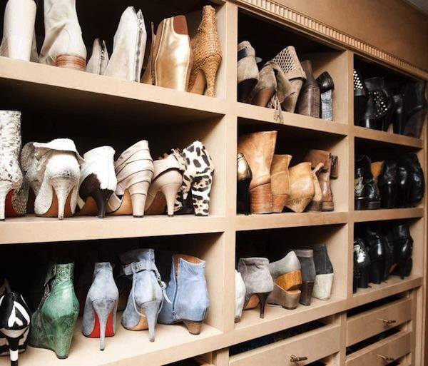 Ngó nghiêng tủ đồ của các fashionista thế giới 25