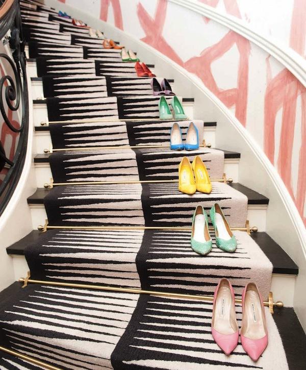 Ngó nghiêng tủ đồ của các fashionista thế giới 24
