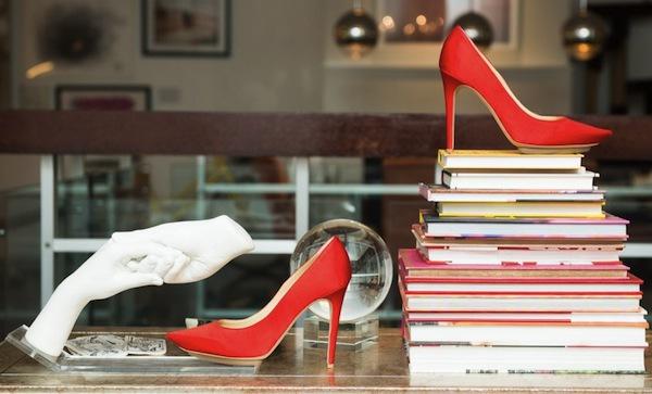 Ngó nghiêng tủ đồ của các fashionista thế giới 38