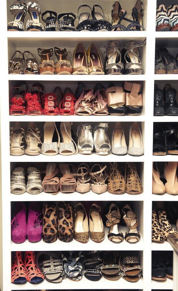 Ngó nghiêng tủ đồ của các fashionista thế giới 54