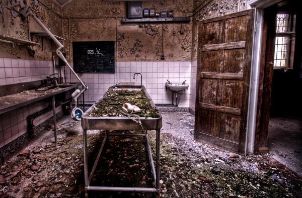 Thăm các nhà xác bỏ hoang rợn người bậc nhất 3