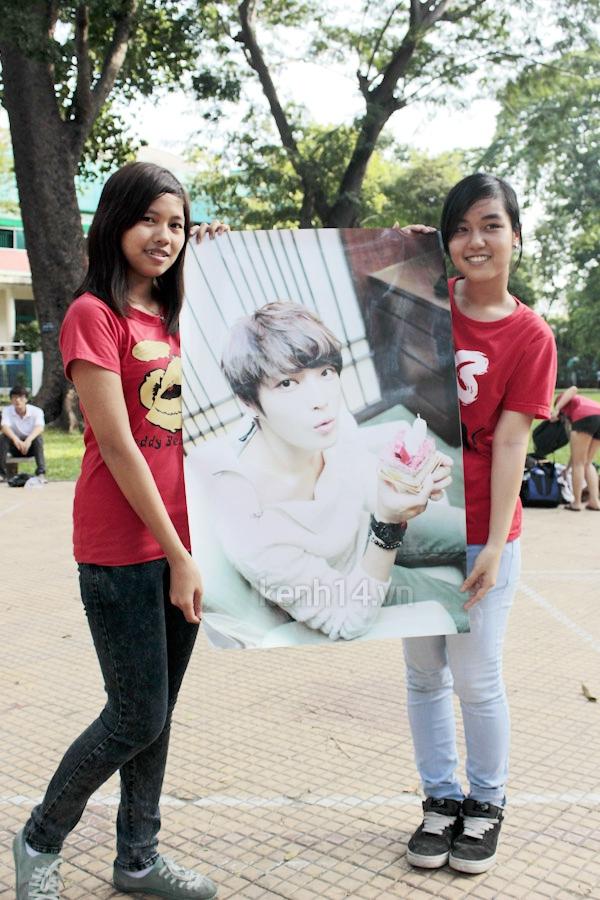 Teen Sài Gòn mặc áo dài nhảy flashmob đón Jae Joong 2