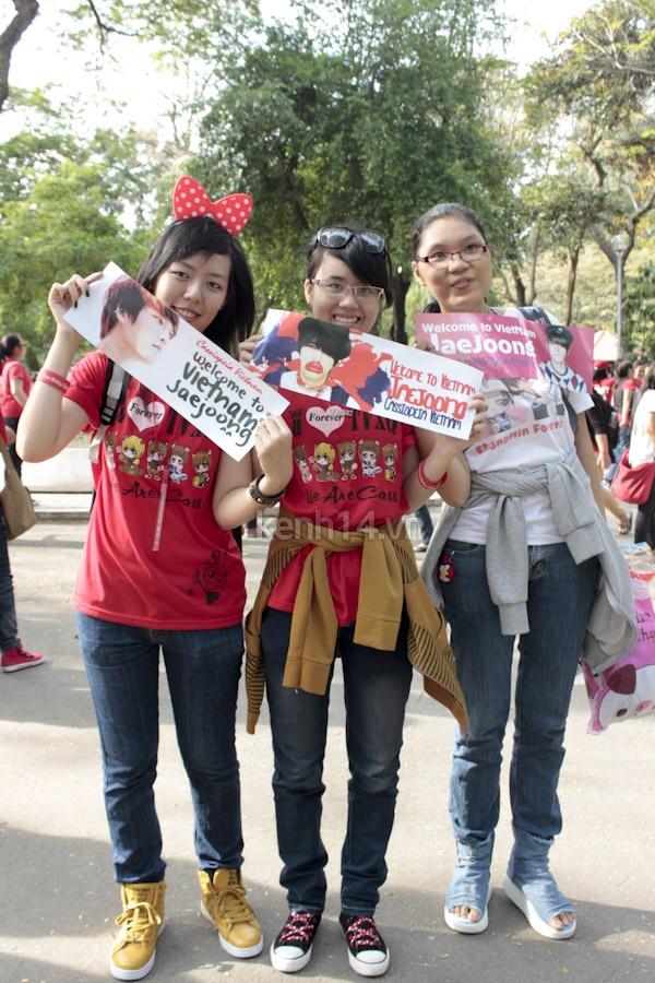 Teen Sài Gòn mặc áo dài nhảy flashmob đón Jae Joong 18