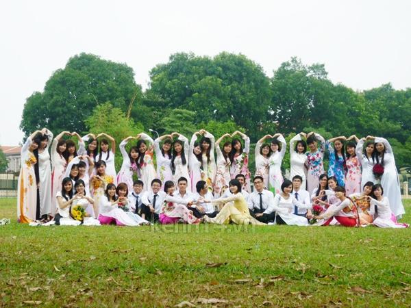 Sinh viên năm cuối nô nức chụp ảnh kỉ yếu  6