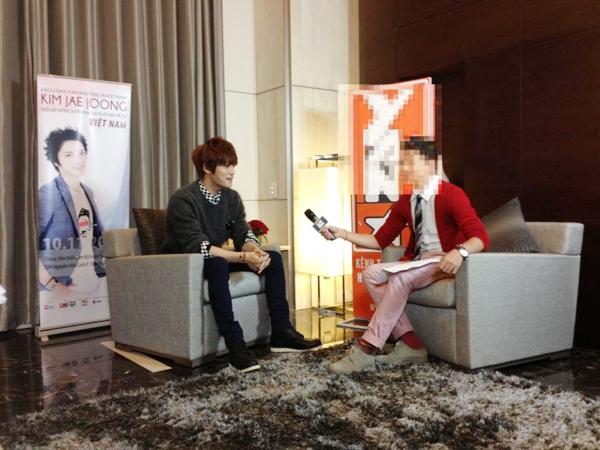 Fan tẩy chay VJ Việt có hành động thiếu tế nhị với JaeJoong 1