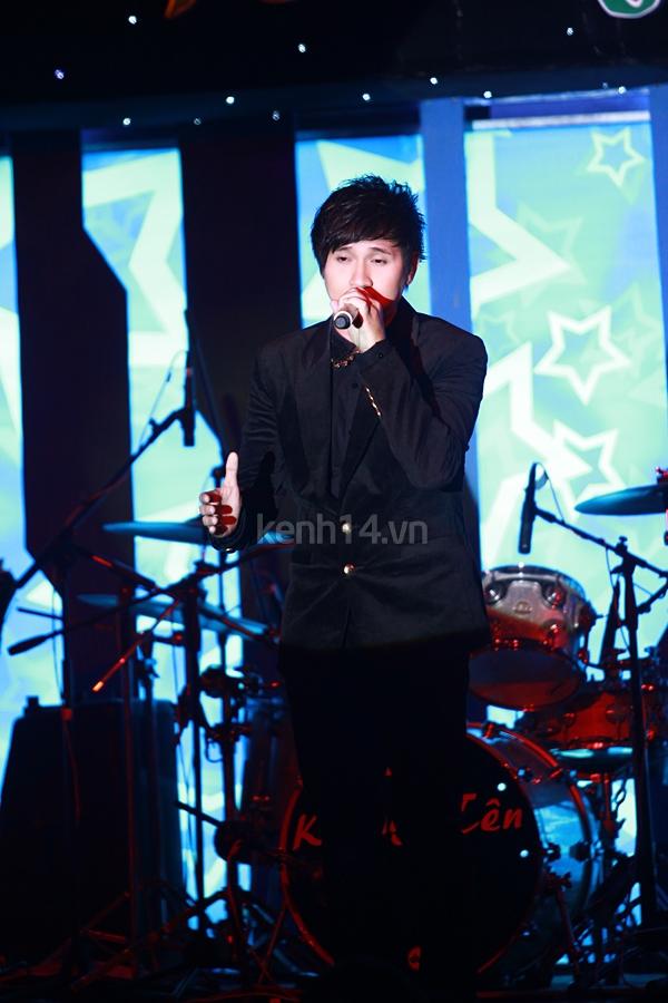 Ấm áp đêm nhạc ủng hộ Wanbi Tuấn Anh 10