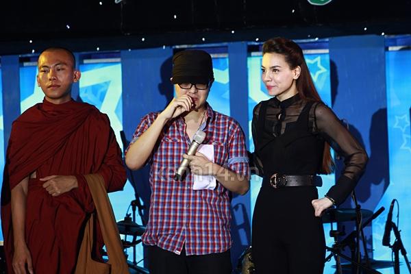 Ấm áp đêm nhạc ủng hộ Wanbi Tuấn Anh 5
