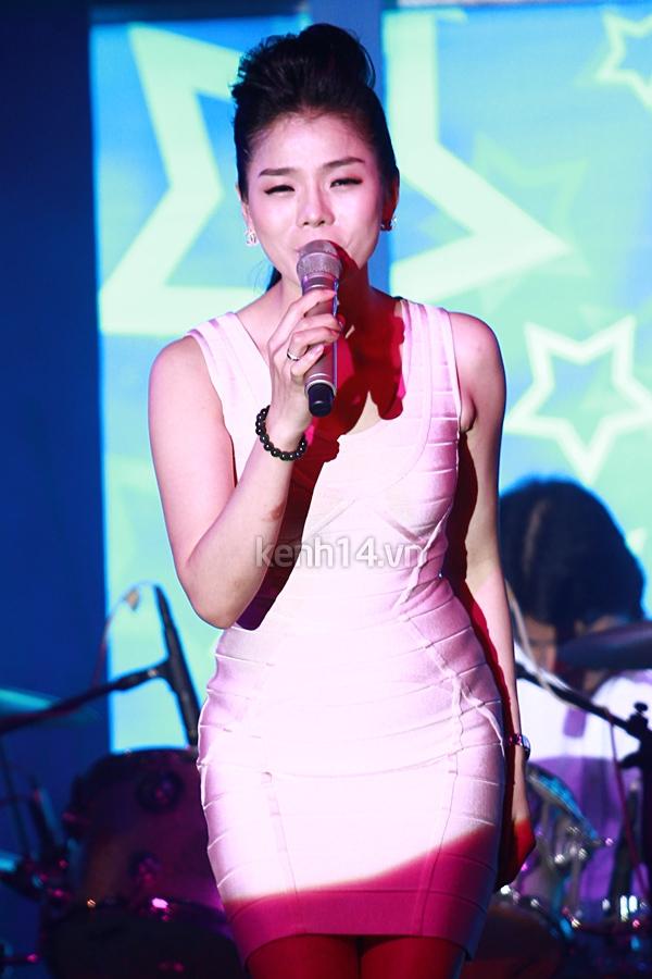 Ấm áp đêm nhạc ủng hộ Wanbi Tuấn Anh 14