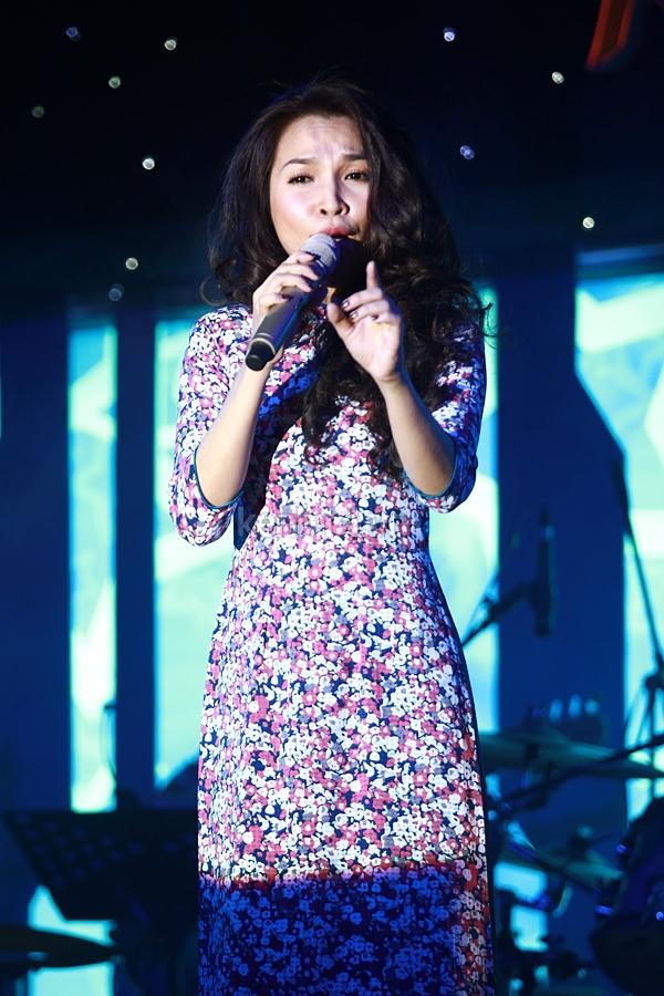 Ấm áp đêm nhạc ủng hộ Wanbi Tuấn Anh 16