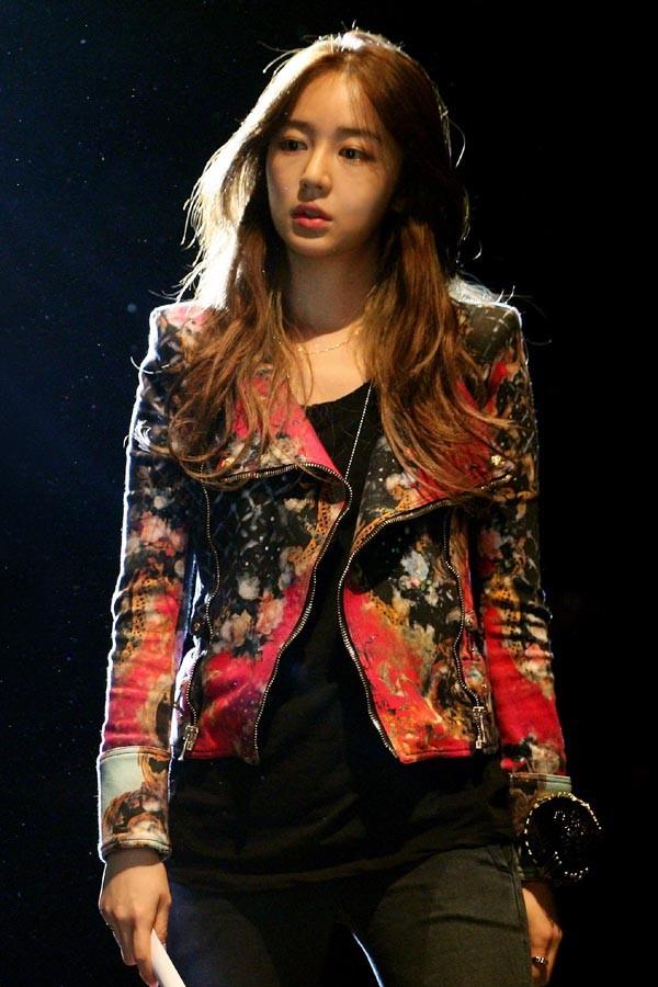 """Yoon Eun Hye diện toàn hàng hiệu """"đỉnh"""" trong phim mới 3"""