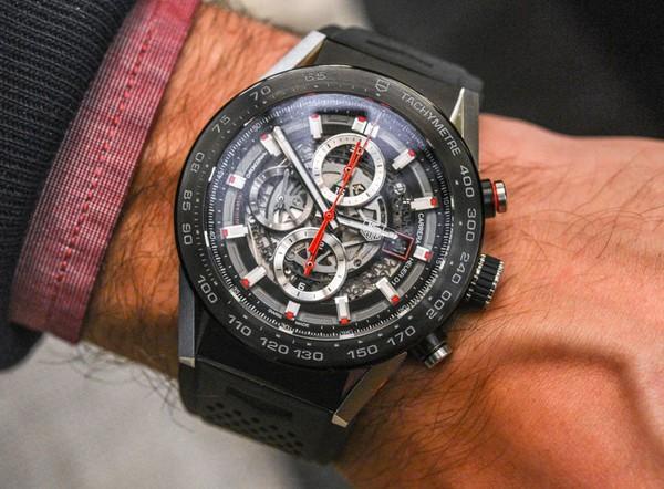 Tổng hợp 5 mẫu đồng hồ lịch làm cho quý ông 7-2714d
