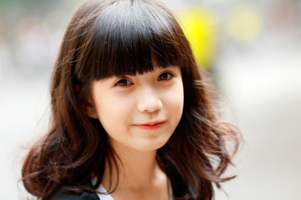 Nữ sinh Hà Nội gây sốt vì gương mặt xinh như búp bê 2