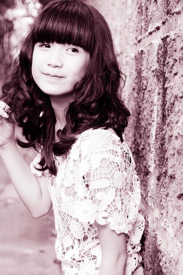 Nữ sinh Hà Nội gây sốt vì gương mặt xinh như búp bê 6