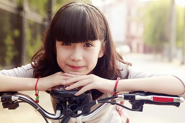 Nữ sinh Hà Nội gây sốt vì gương mặt xinh như búp bê 7