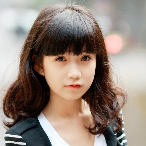 Nữ sinh Hà Nội gây sốt vì gương mặt xinh như búp bê 1