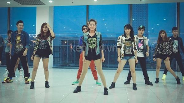 """Chi Pu bất ngờ xuất hiện trong """"Gangnam Style"""" chất lừ của St.319 9"""