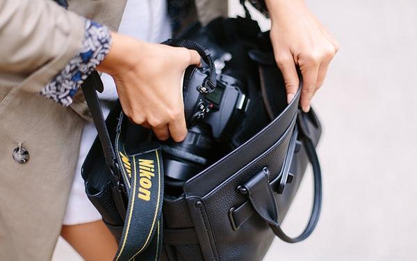 Túi đựng máy ảnh đa dụng - Giải pháp cho cô nàng sành điệu