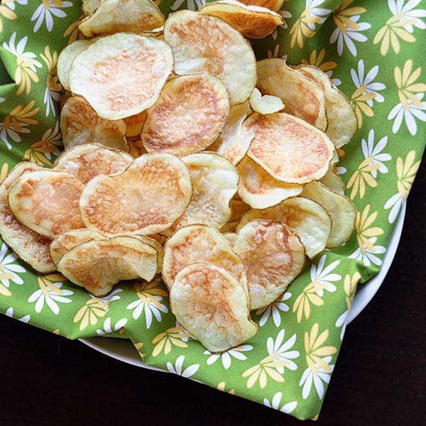 Snack khoai tây giòn tan làm bằng lò vi sóng 10