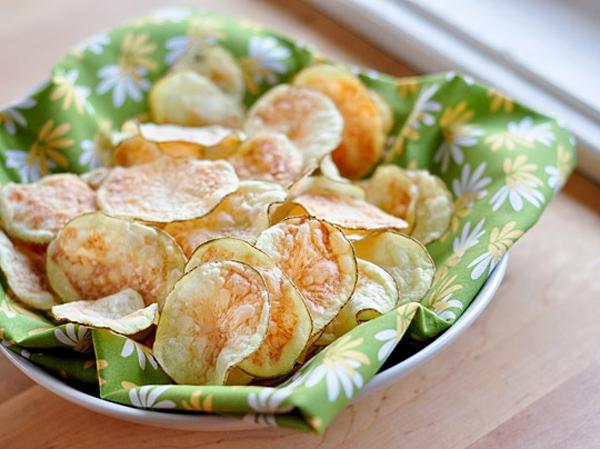 Snack khoai tây giòn tan làm bằng lò vi sóng 9