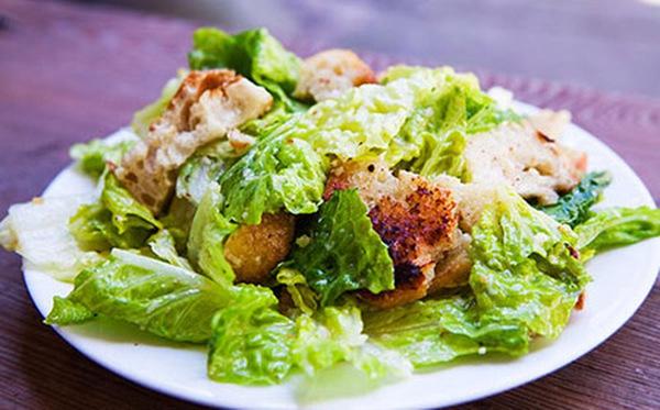 Xem cách làm món salad mang tên vị vua La Mã - CAESAR SALAD