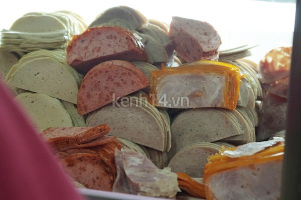Có gì trong ổ bánh mì giá bằng một tô phở? 4