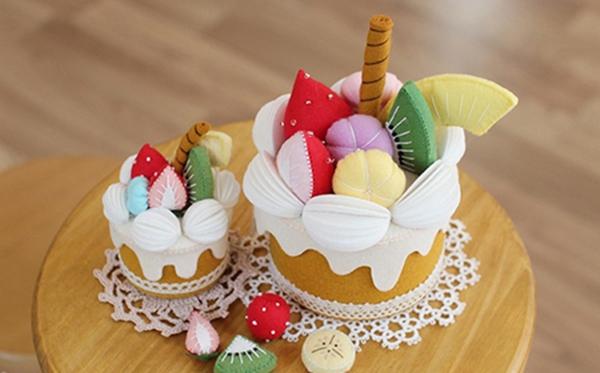 Xinh xinh hộp quà bánh ngọt đáng yêu y như thật