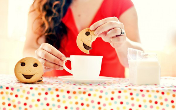 Картинки по запросу девушка чаепитие