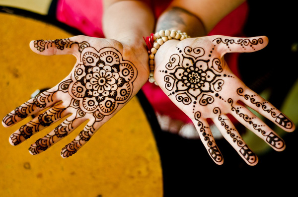 Dịch vụ vẽ henna ấn độ