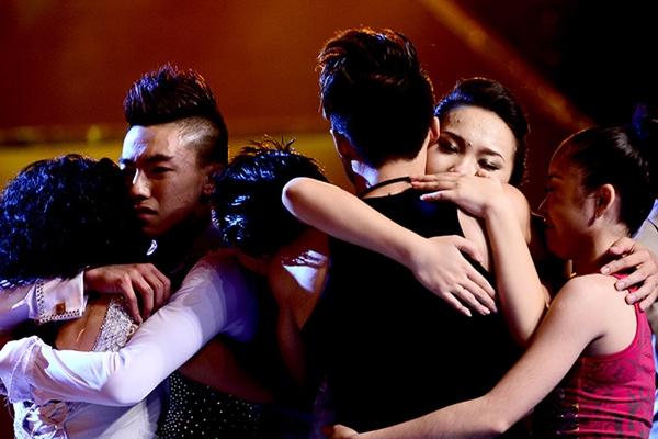 """Quỳnh Trang, Tuấn Đạt chia tay """"Bước nhảy"""" 3"""