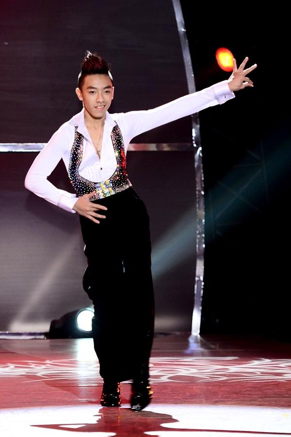 """Quỳnh Trang, Tuấn Đạt chia tay """"Bước nhảy"""" 10"""